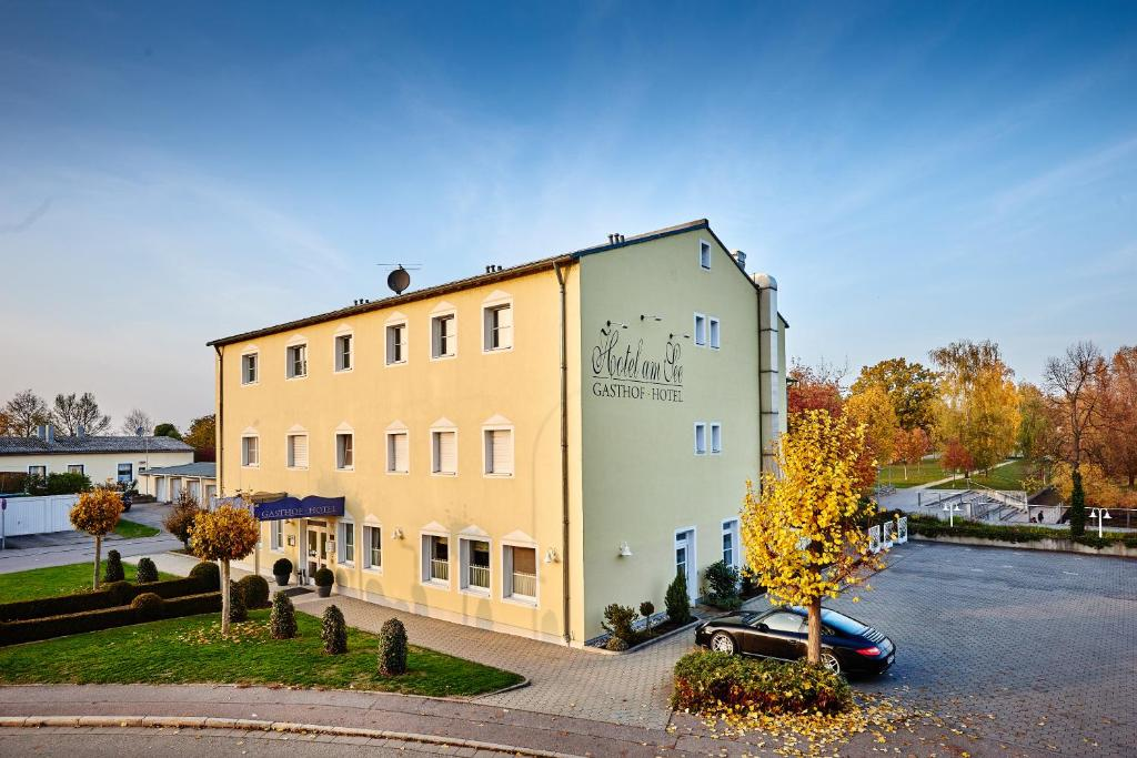 Neutraubling Hotel Am See