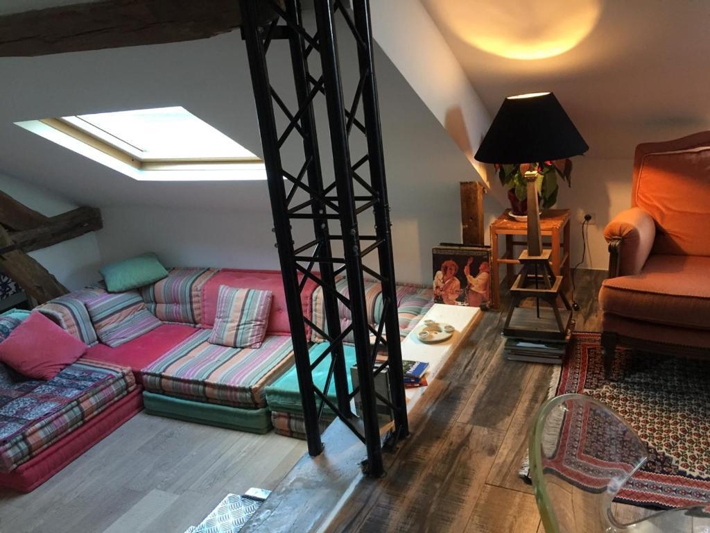 Appartement loft ecuyer locations de vacances saint for Appartement atypique saint germain en laye