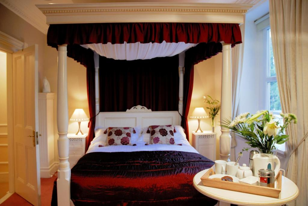 The bath house boutique bed breakfast bath book your for Boutique bed breakfast