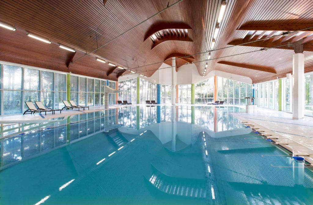 Appart hotel spa atlantic golf saint jean de monts for Appart hotel salon