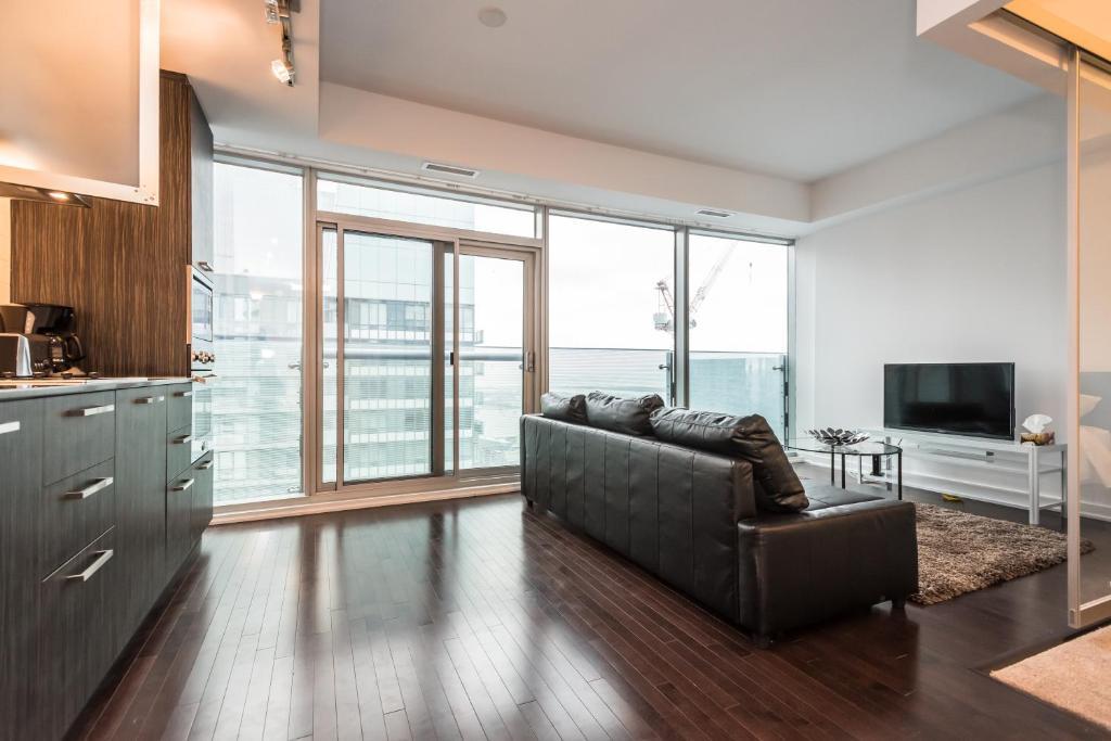 Downtown Luxury Lakeview Condo Toronto Canada