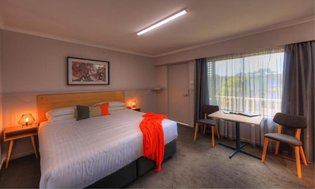 Una cama o camas en una habitación de Best Western Burnie
