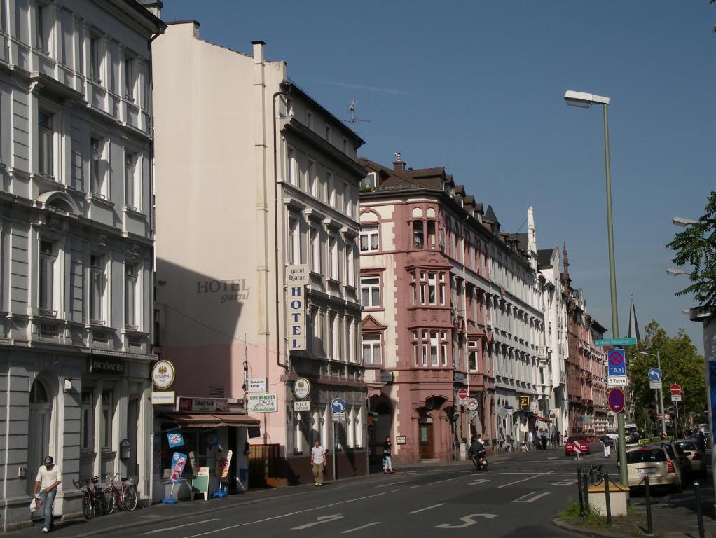 Hotel garni djaran offenbach am main book your hotel for Werbeagentur offenbach am main