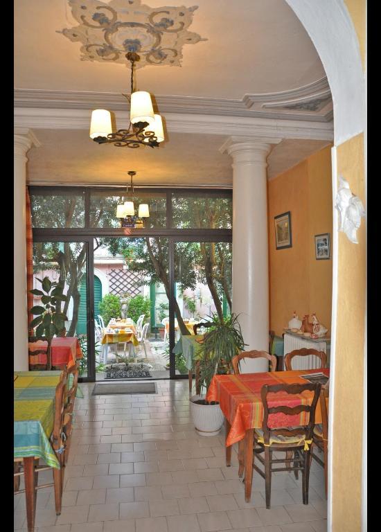 H tel select salon de provence reserva tu hotel con for Sos dentiste salon de provence