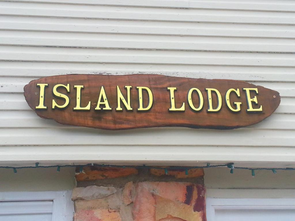Island Lodge Holiday Accommodation