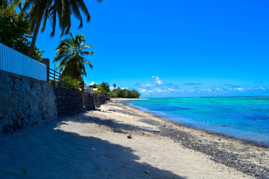 Chambre d 39 h tes paea sunset lodge chambres d 39 h tes paea for Chambre 13 tahiti plage mp3