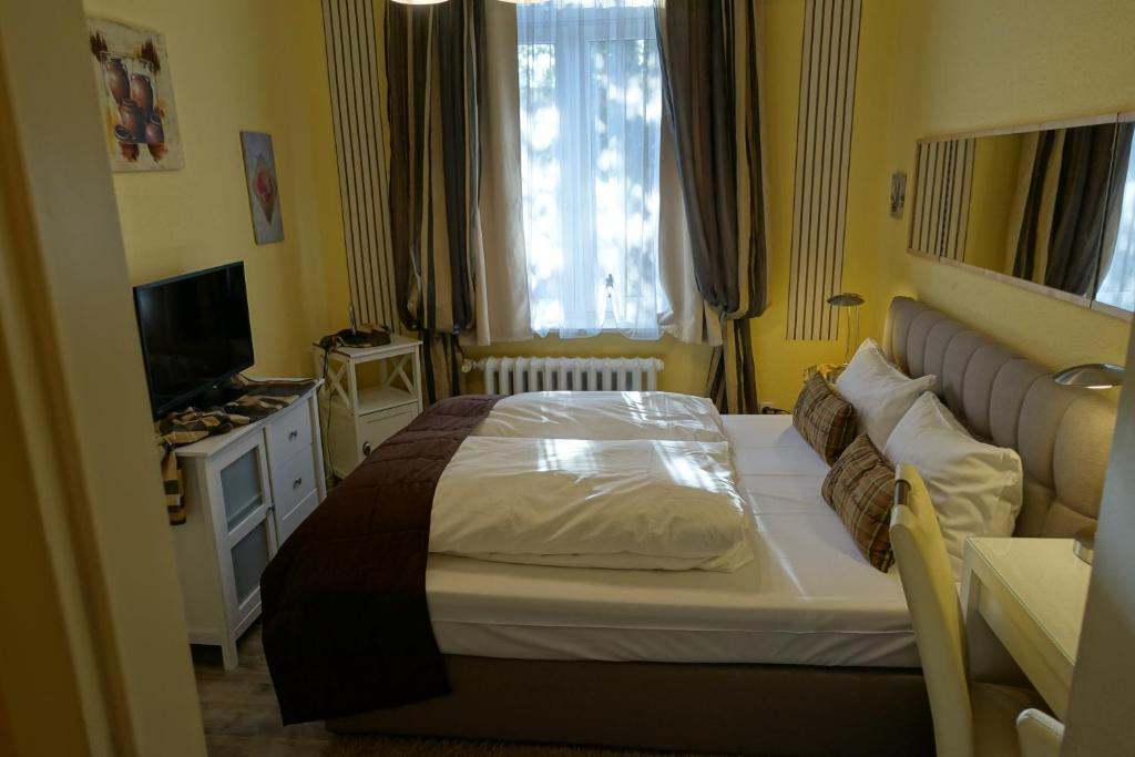 Hotel villa konstanz berlijn viamichelin informatie for 4 design hotel q berlin