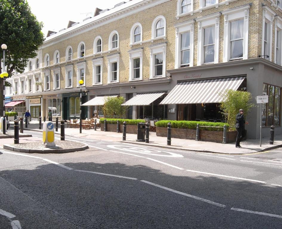 Lamington hammersmith serviced apartments queens park for Hotel michelin