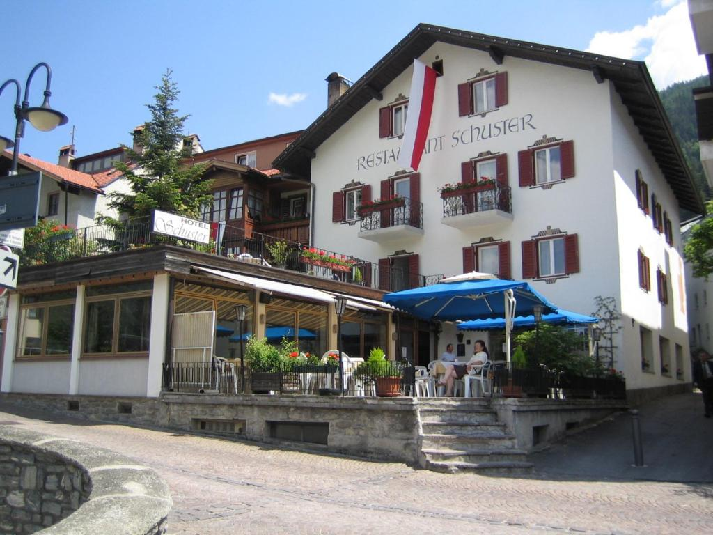 Hotel Schuster Gossensa 223 Book Your Hotel With Viamichelin
