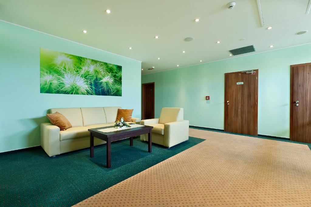 hotel viktor bratislava prenotazione on line viamichelin. Black Bedroom Furniture Sets. Home Design Ideas