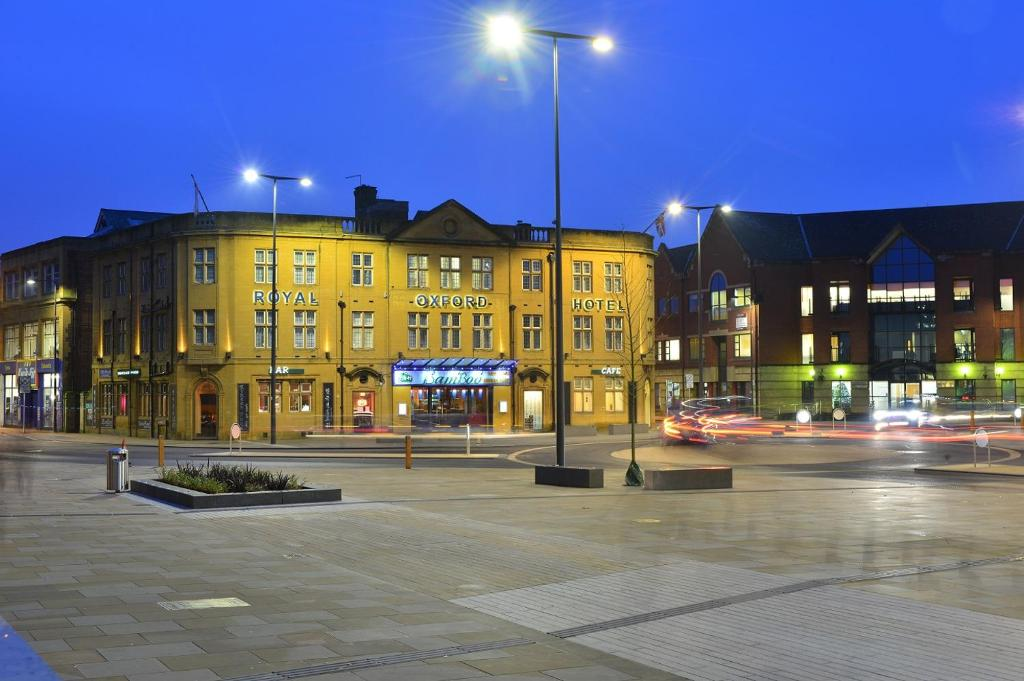 Royal Oxford Hotel Parking