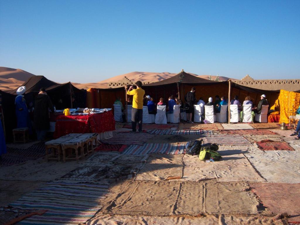 Hotel kasbah bivouac lahmada et taous prenotazione on for Arredi marocchini