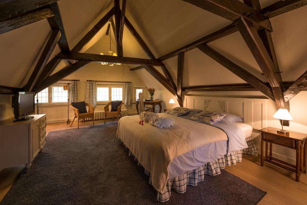 chambres d 39 h tes b b next door chambres d 39 h tes bruges. Black Bedroom Furniture Sets. Home Design Ideas