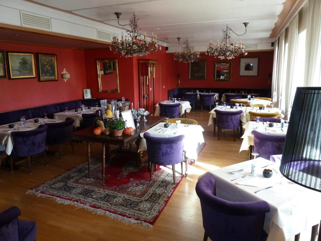 Booking Hotel Dubeldorf