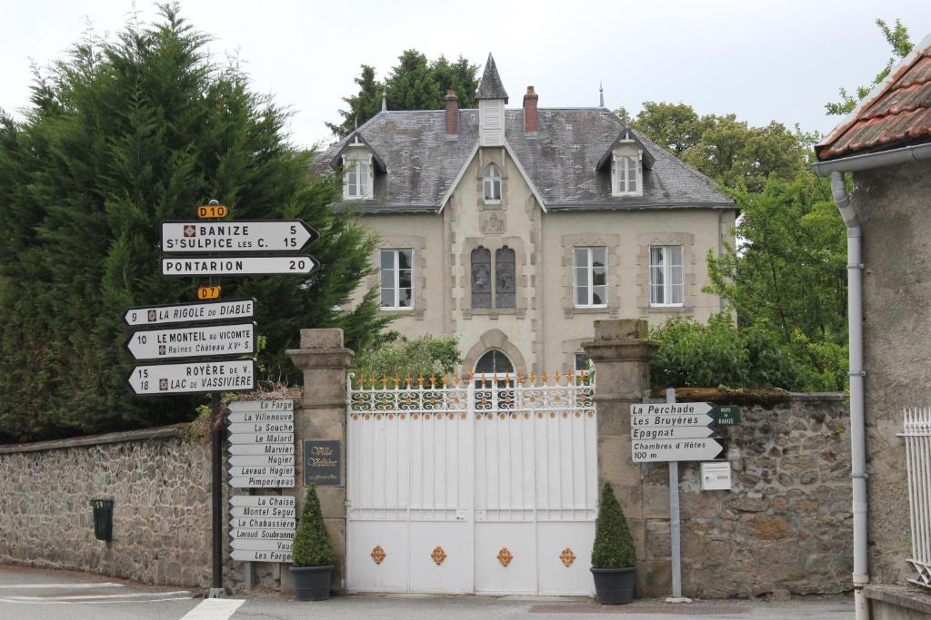 Villa valli re chambres table d 39 h tes chambres d 39 h tes valli re dans la creuse 23 15 km - Chambre d hote argenton sur creuse ...