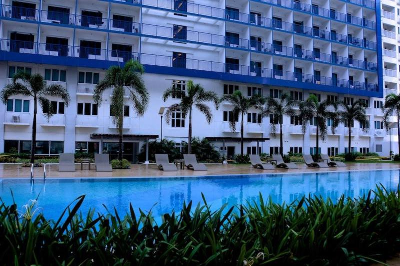 Cristies Sea Residences Manila Book Your Hotel With