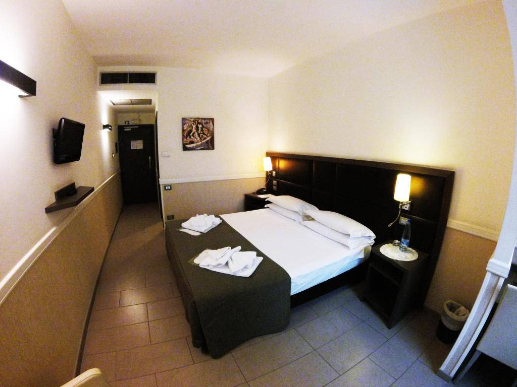 Hotel Artis Rome To Rome City Centre