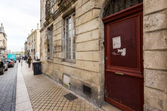 Appartement st michel locations de vacances bordeaux for Appartement bordeaux quartier saint michel