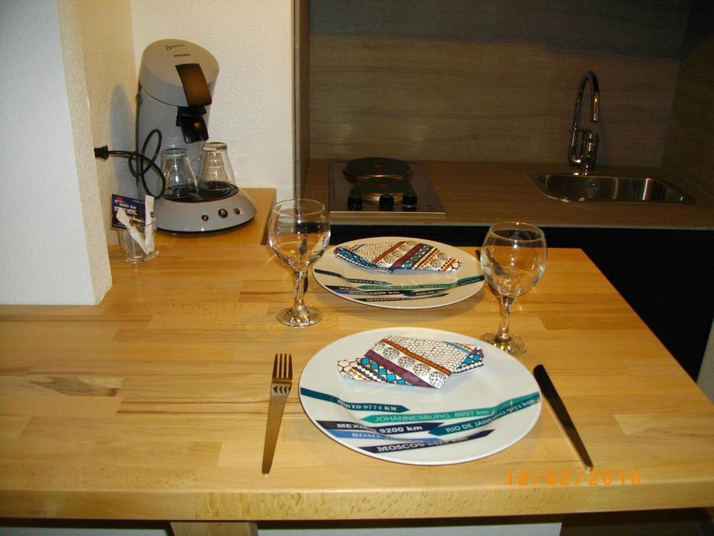 appart 39 hotel residella house avignon le pontet. Black Bedroom Furniture Sets. Home Design Ideas