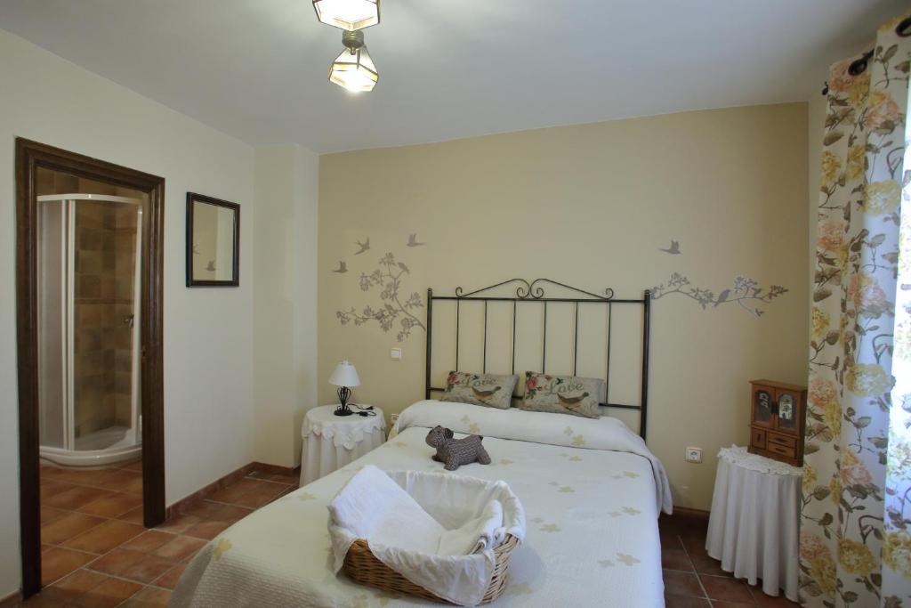 Casa rural la tejada tarazona reserva tu hotel con for Habitaciones familiares zaragoza