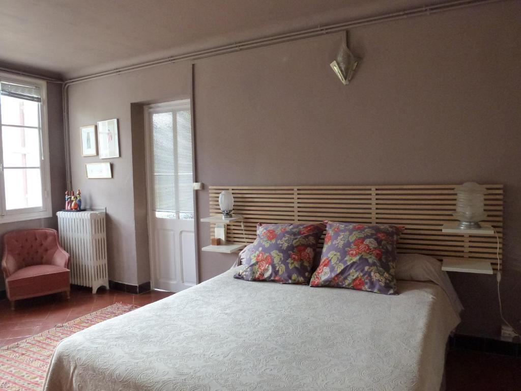 bed breakfast arles provence frankreich arles. Black Bedroom Furniture Sets. Home Design Ideas