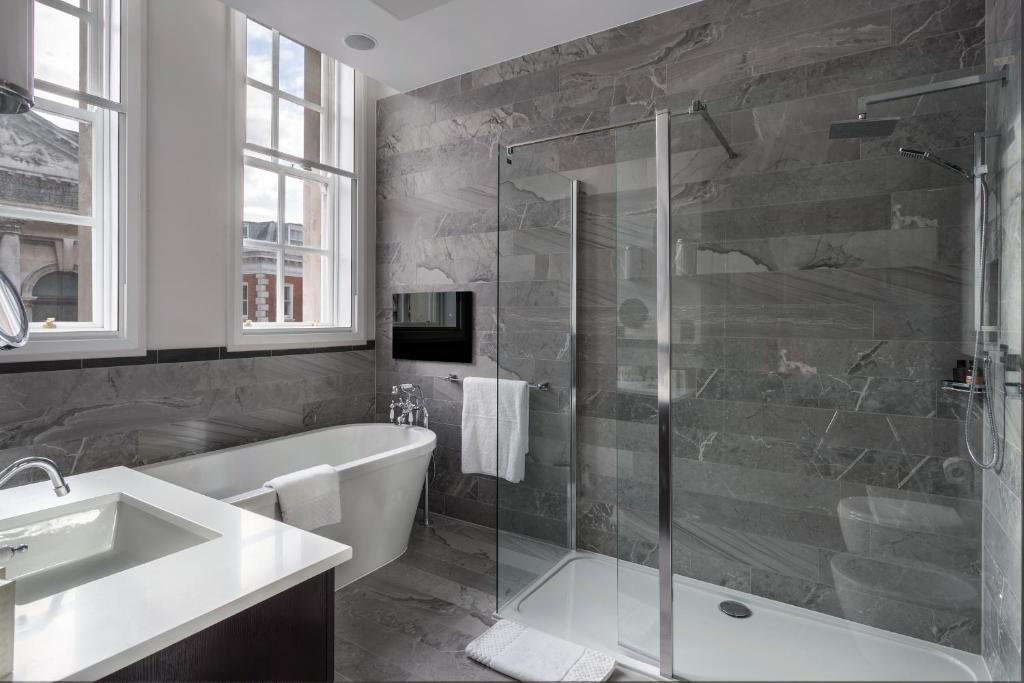 courthouse hotel shoreditch r servation gratuite sur viamichelin. Black Bedroom Furniture Sets. Home Design Ideas