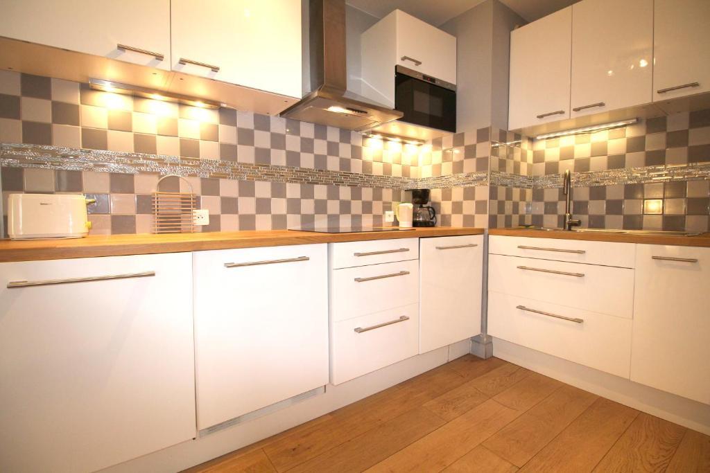 Appartement bordeaux locations m riadeck locations de - Ustensiles de cuisine bordeaux ...