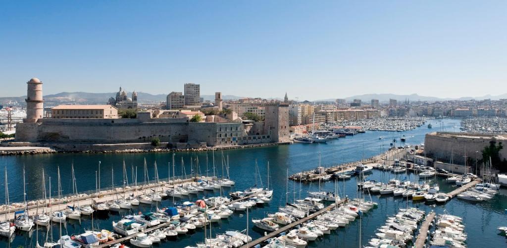 Appartement Sous Les Toits Marseille Centre Appartement