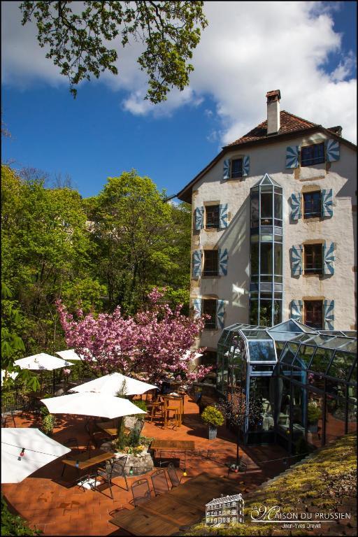 H tel la maison du prussien neuch tel book your hotel for 1313 la maison du cauchemar