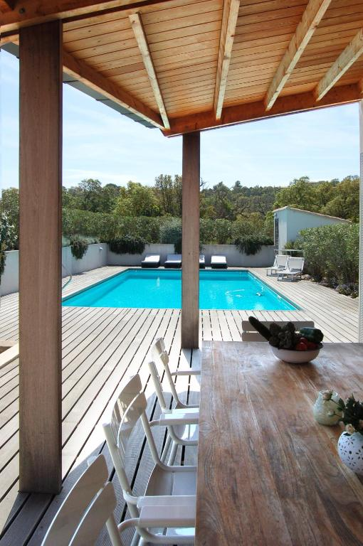Villa coucou les amis locations de vacances sainte lucie de porto vecchio - Les jardins de sainte lucie ...