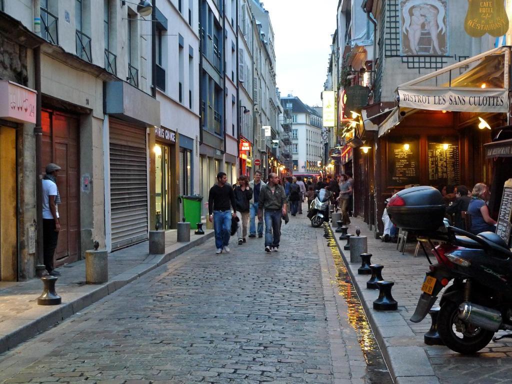 Appartement paris lenoir locations de vacances paris for 4 rue richard lenoir 75011 paris france