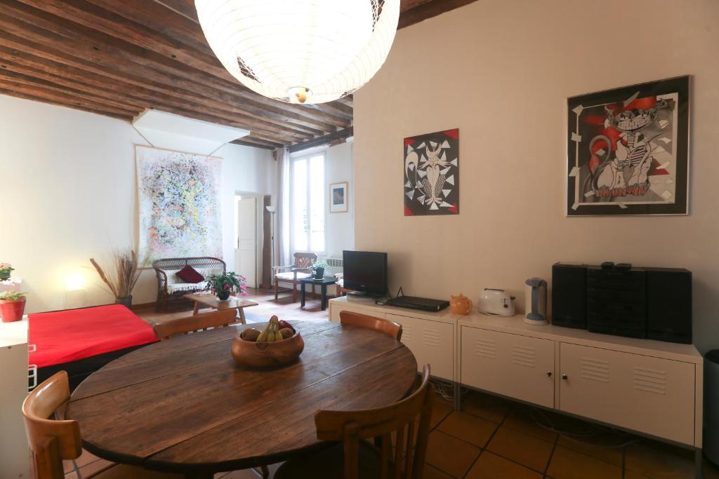Large architect flat 65m2 r servation gratuite sur for Flat hotel paris