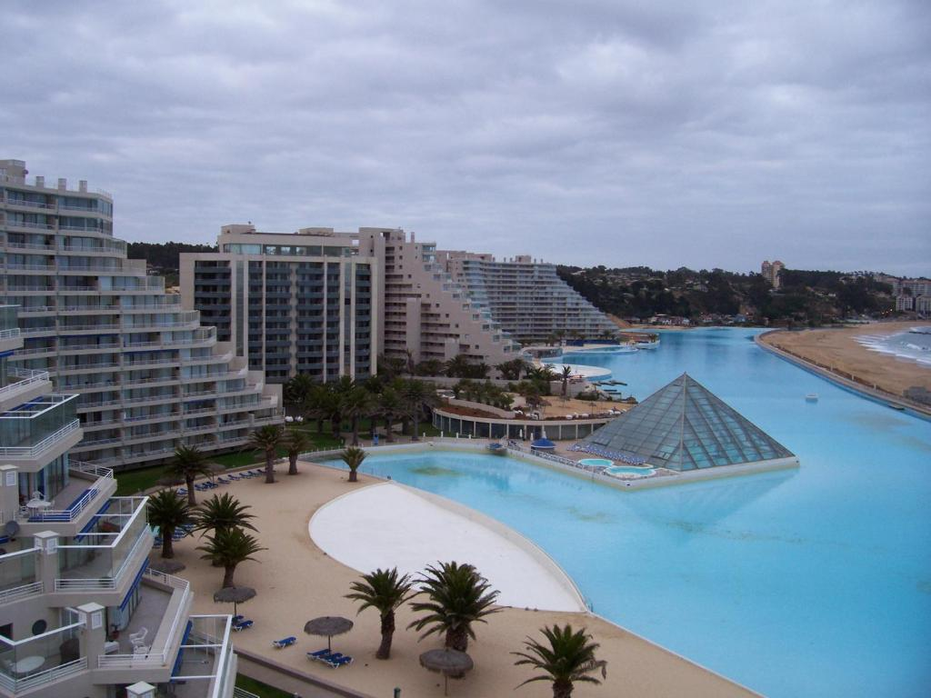 World S Largest Swimming Pool San Alfonso Del Mar Amazing Planet