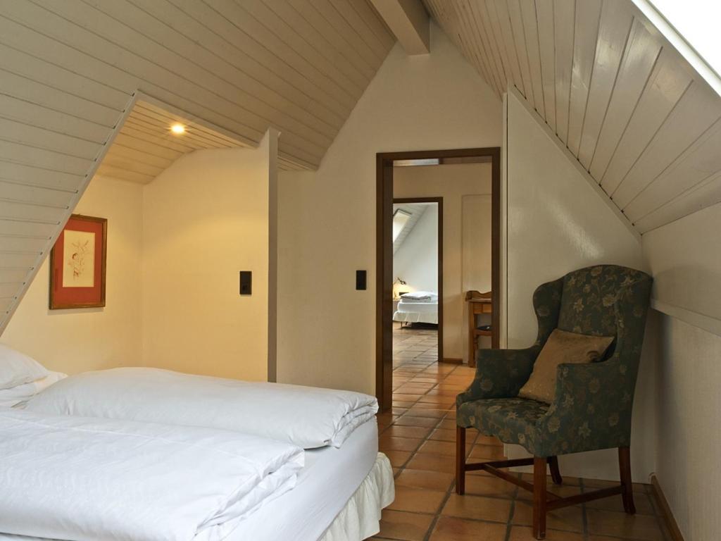 hotel schwarzw lder hof friburgo de brisgovia reserva tu hotel con viamichelin. Black Bedroom Furniture Sets. Home Design Ideas