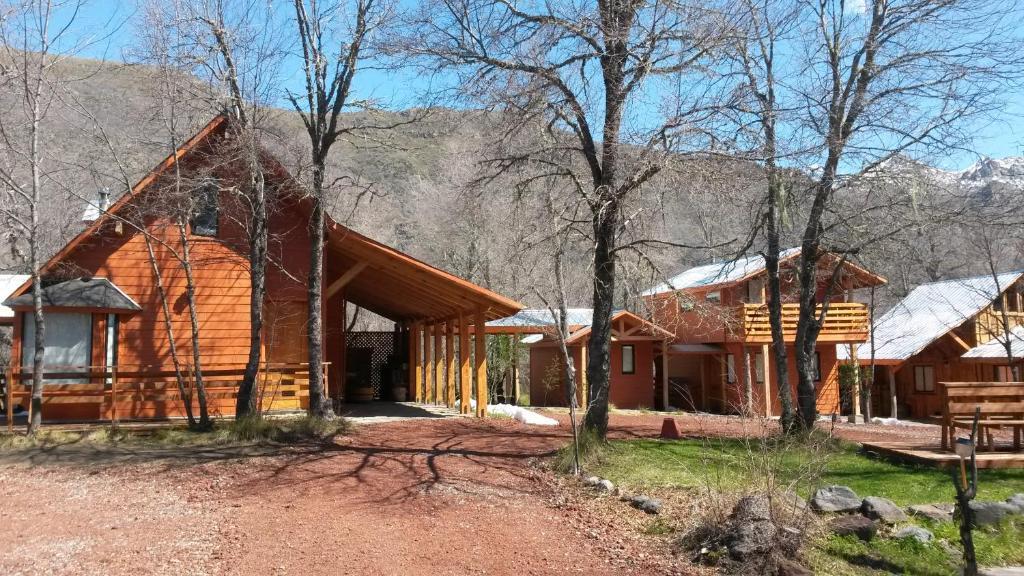 Caba as tronco mayen prenotazione on line viamichelin for Piani di progettazione cabana
