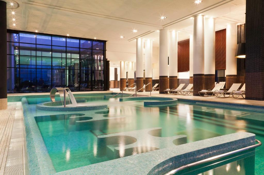 Hotel barri re le grand h tel enghien les bains for Hotels barriere