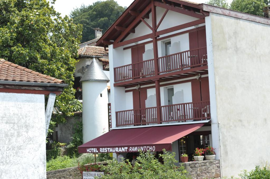 H tel ramuntcho elizondo online booking viamichelin - Hotels in saint jean pied de port france ...