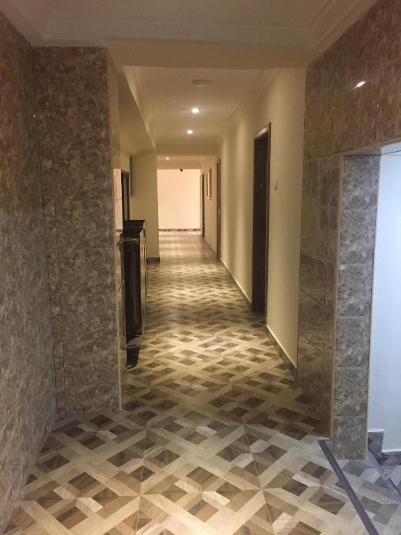Ampoma Hotel
