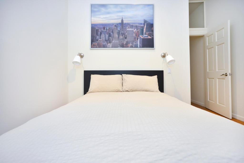 Apartment Hip And Trendy 3 Bedroom Near Times Square New York City Ny