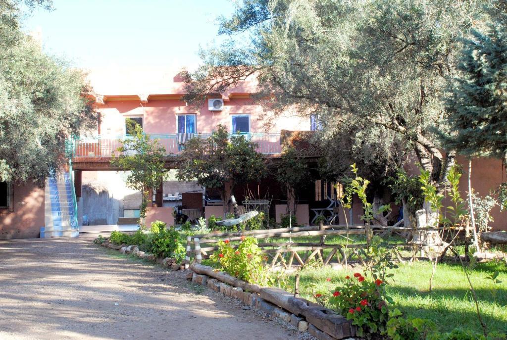 Hotel france ouzoud r servation gratuite sur viamichelin for Reservation hotel france