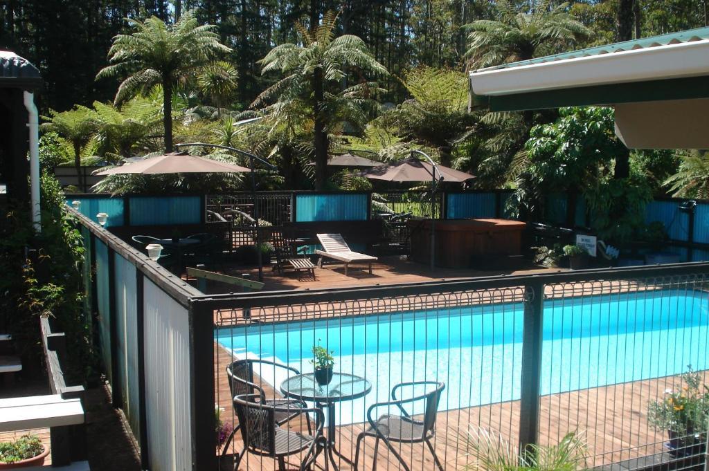 Woodlands motel waipapa reserva tu hotel con viamichelin for Motel con piscina privada