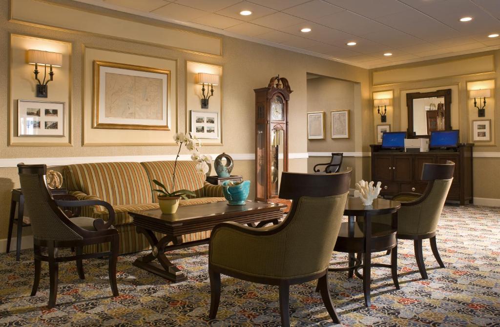 Newport Beach Hotel Amp Suites Newport Book Your Hotel