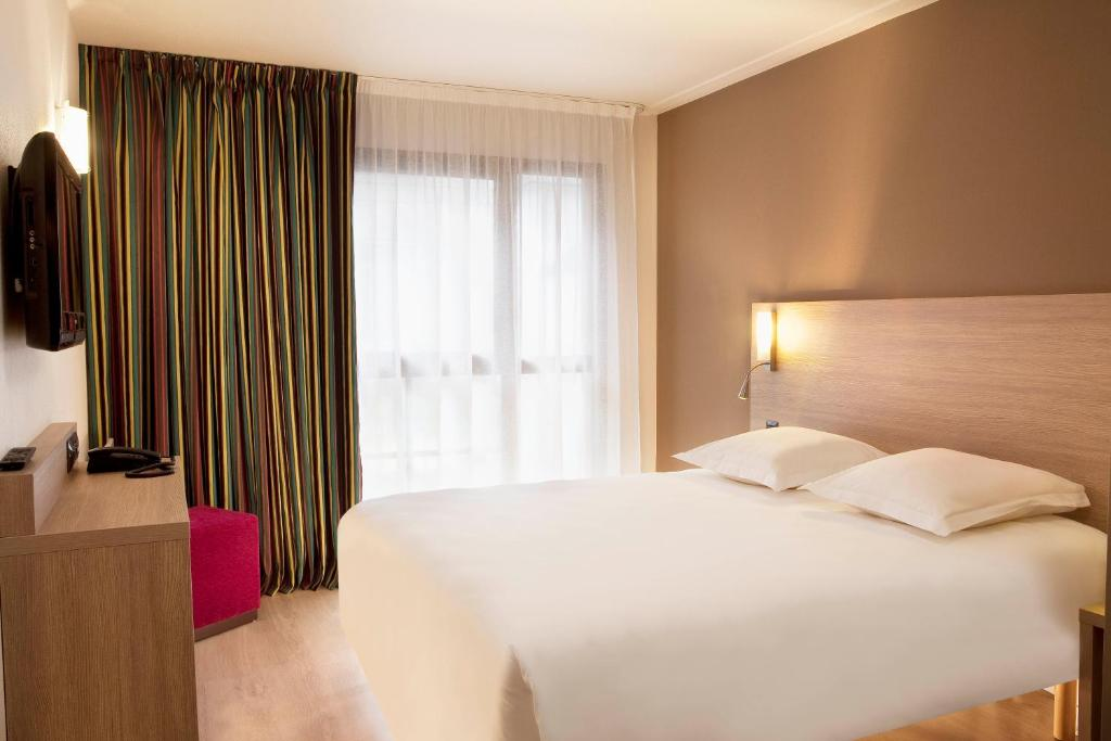 Escale oceania quimper centre quimper book your hotel for Hotels quimper