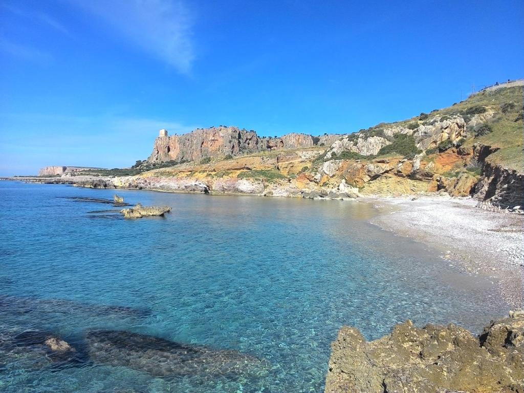 Residence cala azzurra italia macari for Culla azzurra