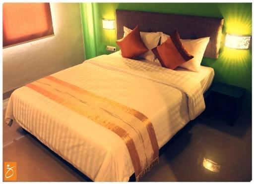 http://q-ec.bstatic.com/images/hotel/max1024x768/643/6433886.jpg