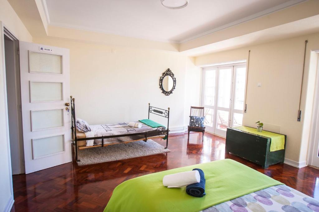 autentik guest house chambres d 39 h tes lisbonne. Black Bedroom Furniture Sets. Home Design Ideas