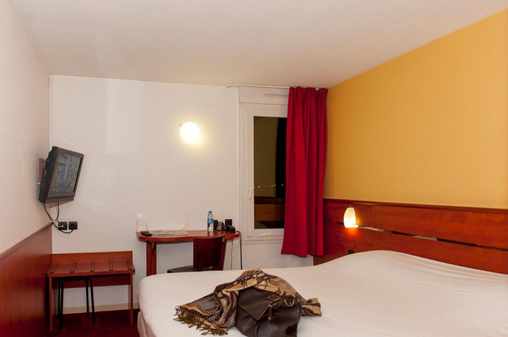 Brit hotel agen l 39 aquitaine le passage for Apart hotel agen