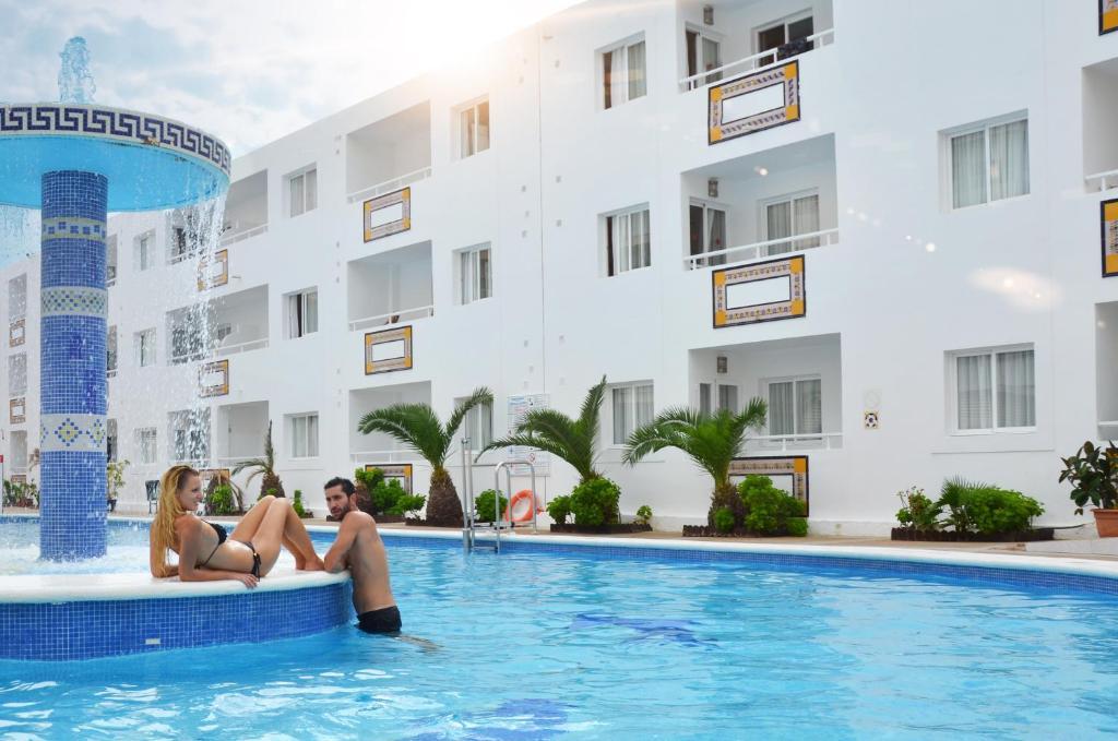 Apartamentos tropical garden r servation gratuite sur viamichelin - Apartamentos tropical garden ...