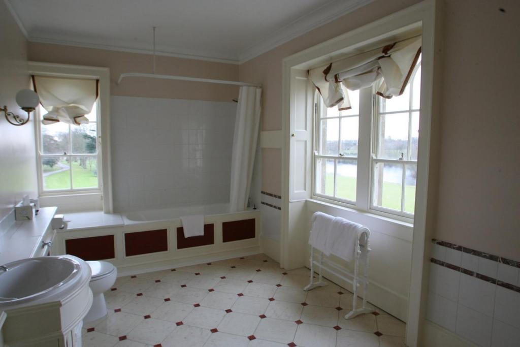 Donnington Grove Hotel And Country Club Newbury