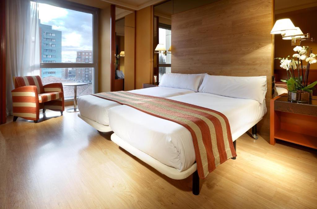 Hotel Puerta de Burgos: 2019 Room Prices $47, Deals ...